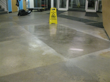 A demo area was polished first so the customer see what could be expected.