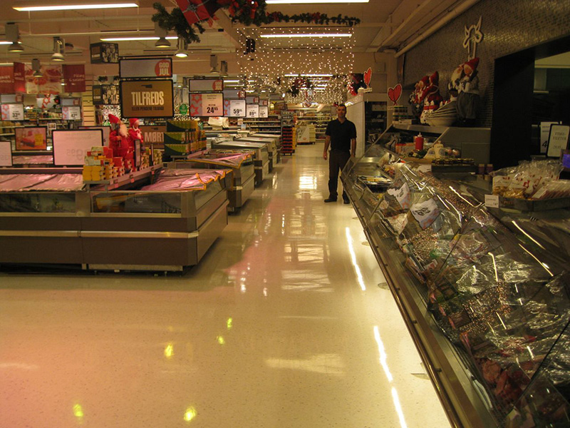 Polish Treatment and UHS Burnishing on New Vinyl Floor in Supermarket