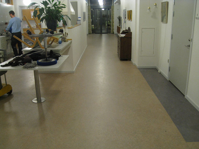 Linoleum flooring restoration linoleum floor cleaning for Linoleum floor covering